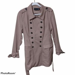 Forever 21 trench coat see measurements M?